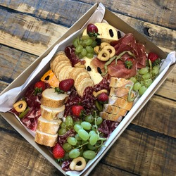 Grazing box with cheese and meat