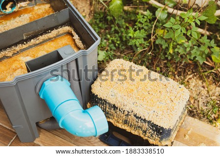 Grease traps box in the house, fats oils and grease.Concept waste water treatment Foto stock ©