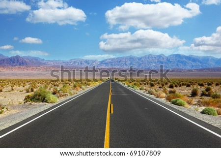 Great American road, crossing a huge Death Valley in California