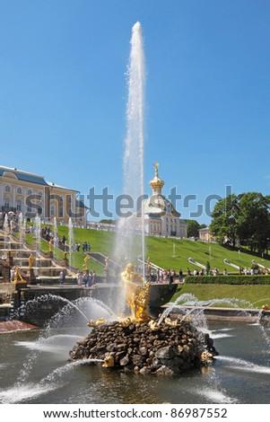 Great fountain Samson in Peterhof