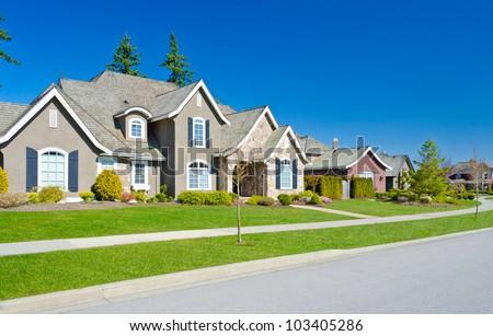 Great Neighborhood. Empty Street ( Homes ) In Suburbs Of ...
