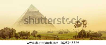 great pyramid of khafre in...