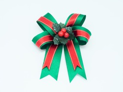 green and red gift bow