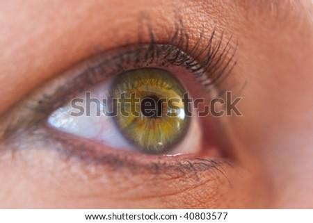 yellow eyes human - photo #9