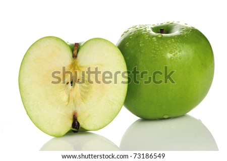 Green apple, isolated on a white background.