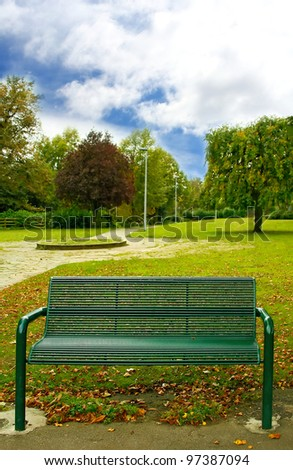 Green bench in the park