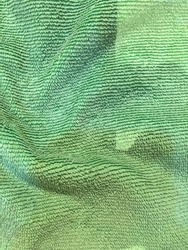 Green cloth can be used to wipe dirt or wipe the hands.