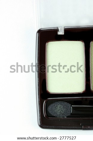 Green eyeshadow makeup duo