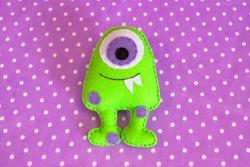 Green felt monster - how to make monster handmade toy