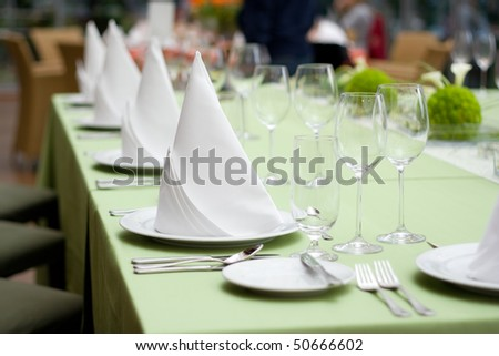 Green Fine Wedding Table Setting