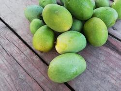 green mango fruits