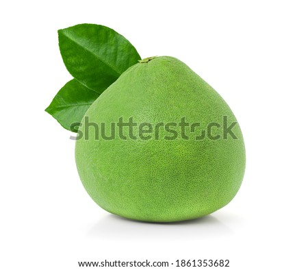green pomelo with leaves isolated on white background with clipping path, Thailand Siam ruby pomelo fruit. Foto stock ©