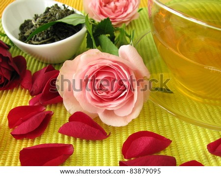 Green tea with rose flowers
