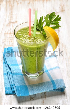 Green vegetable juice in glass