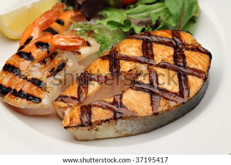 Grilled salmon an shrimps