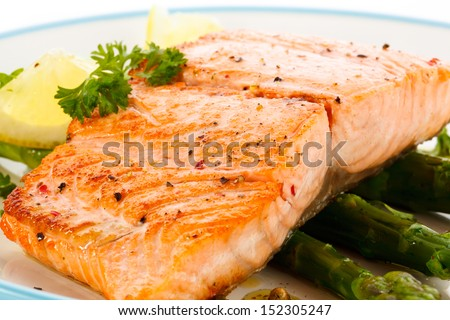Shutterstock Grilled salmon and vegetables