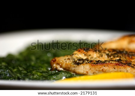 grilled turkey breast with spinach and lemon
