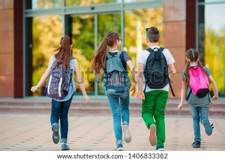 Group of kids going to school together Photo stock ©