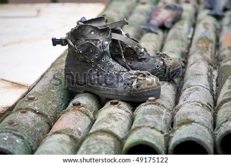 happy birthday eddie Stock-photo-grungy-old-shoes-on-bamboo-raft-49175122