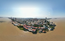 Guayaquil the pearl of the Pacific coastal profile rio guayas and las peñas