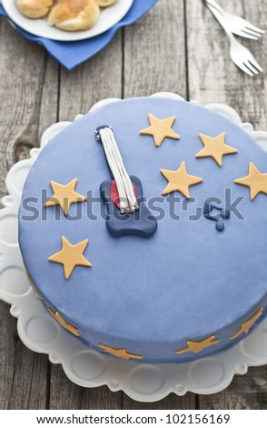 Guitar blue cake with stars