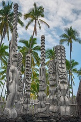 Hale o Keawe, wood carvings. Pu'uhonua O Hōnaunau National Historical Park. Big Island Hawaii