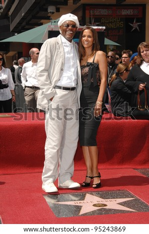 Halle Berry & Samuel L. Jackson on Hollywood Boulevard where she was honored with the 2,333rd star on the Hollywood Walk of Fame. April 3, 2007  Los Angeles, CA Picture: Paul Smith / Featureflash