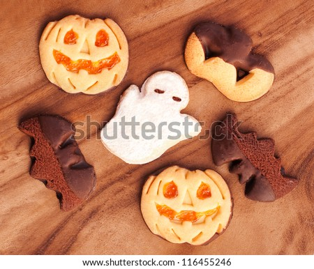 Halloween cookies: pumpkin, bat and ghost