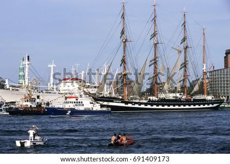 HAMBURG,GERMANY - AUGUST 19, 2017:Arrival parade, Harbour Birthday, Hamburg, Germany, Europe #691409173