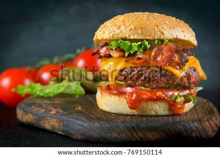 hamburger with bacon and cheese