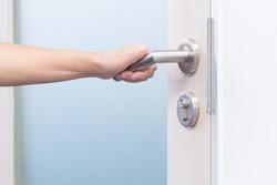 hand open door