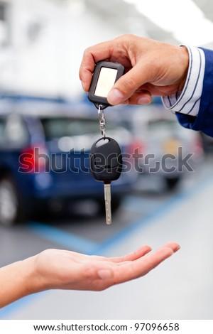 Handling keys of a car at the garage or dealer