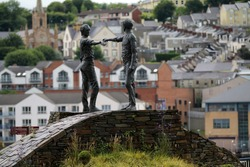Hands Across The Divide peace statue, Londonderry