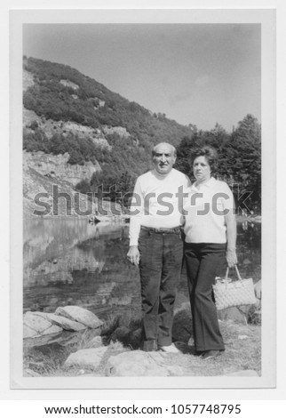 Happy couple in Mountain in 1950