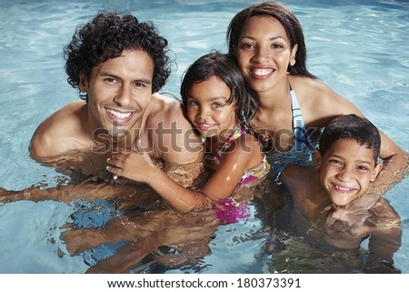 Family Nuidists With Children Pictures