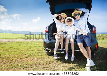 happy family enjoying road trip and summer vacation Foto stock ©