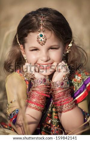 Traditional Indian Cute Baby Hd Wallpaper - kid wallpaper