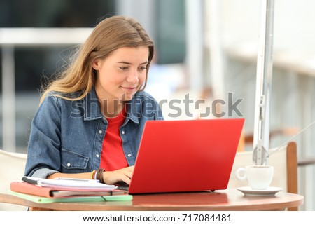 happy student e learning with a ...