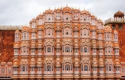 Hawa Mahal palace (Palace of the Winds) in Jaipur, Rajasthan, India.