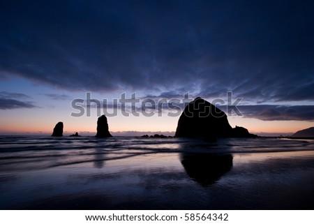 Haystack Rock at Cannon Beach, Oregon Coast, USA