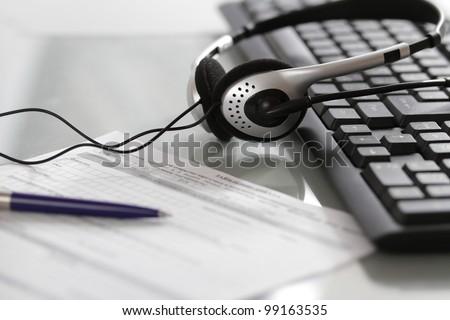 Headphone and keyboard