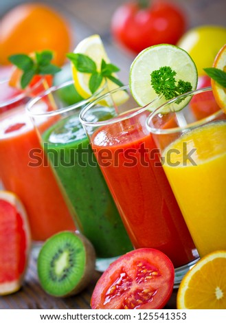 Healthy fruit and vegetable smoothie