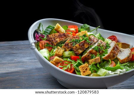 Healthy salad made of vegetables and chicken