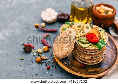 Healthy vegetable sandwich with vegetables on a light background Zdjęcia stock ©