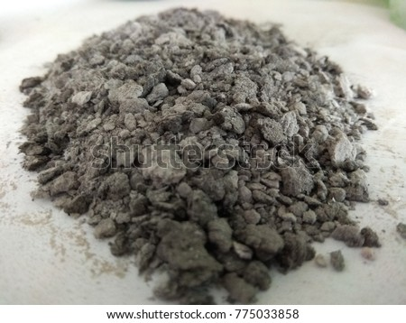 Heap of crushed cement clinker.