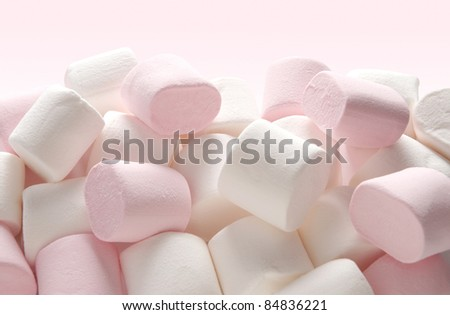 Heap of pink and white marshmallow sweets