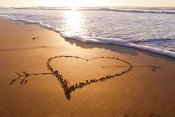 Heard drawn in the sand on the atlantic coast