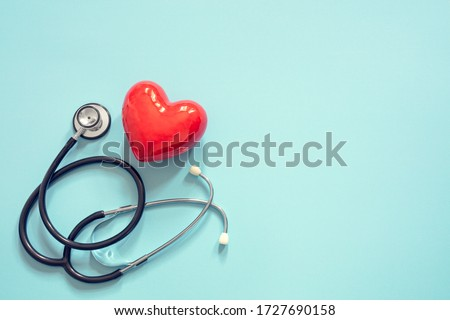 Heart and stethoscope isolated onblue background concept for healthcare and diagnosis medical cardiac pulse test Foto d'archivio ©