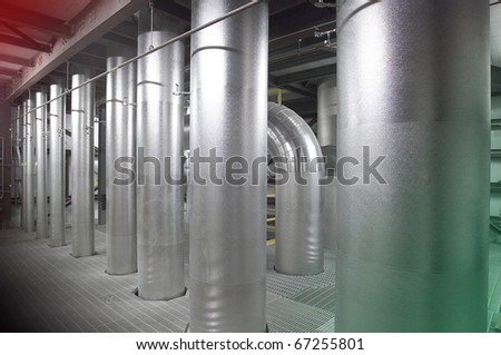 Heating and cooling pipes in a power station