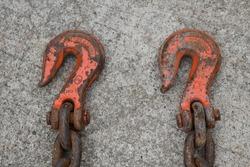 Heavy duty hooks on a chain
